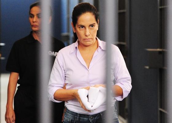 """Norma (Glória Pires) é condenada a seis anos de prisão em cena que vai ao ar em """"Insensato Coração"""" em 14/3"""