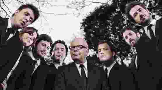 Da esquerda para a direita, Oscar Filho, Monica Iozzi, Danilo Gentili, Marco Luque, Marcelo Tas, Rafael Cortez, Rafinha Bastos e Felipe Andreoli do CQC (14/3/2011) - Divulgação/Band