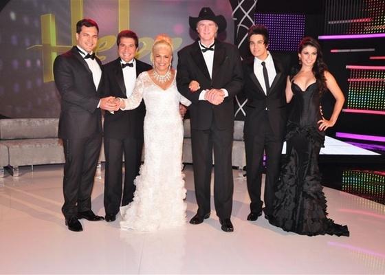 Da esquerda para direita: Daniel Boaventura, Daniel, Hebe, Sérgio Reis, Luan Santana e Paula Fernandes (março/2011)