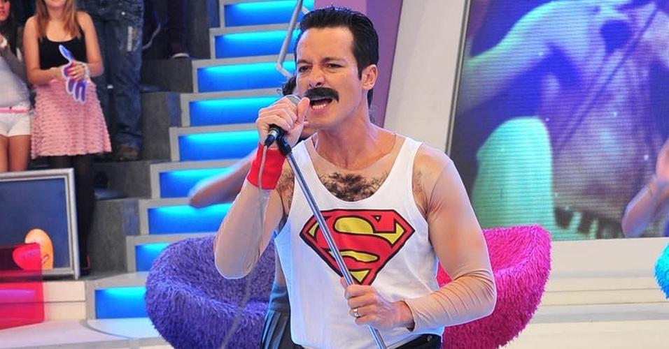 Rodrigo Faro vira Freddie Mercury em