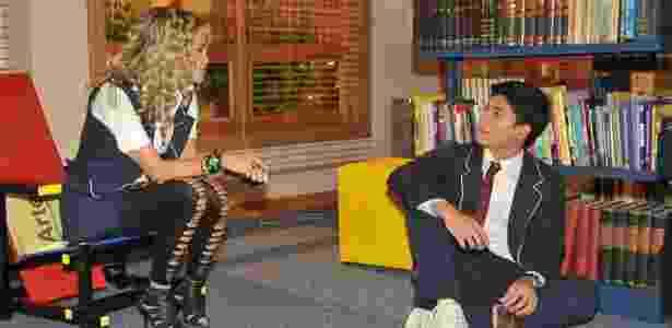 """Roberta (Lua Blanco) repreende Diego (Arthur Aguiar) por beber em cena que vai ao ar em """"Rebelde"""" em 28/3 - Record - Record"""