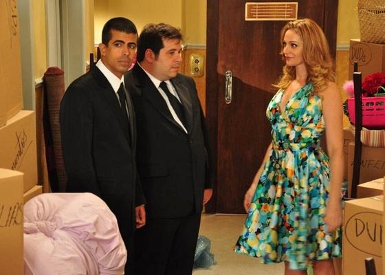 Marcius Melhem, Leandro Hassum e Alexandra Richter em cena de Os Caras de Pau (3/4/2011)