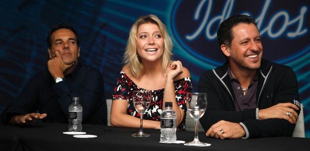 """Os jurados Marco Camargo (à esq.), Luiza Possi e Rick Bonadio (à dir.) durante entrevista coletiva de lançamento de """"Ídolos 2011"""" da Record (30/3/2011)"""