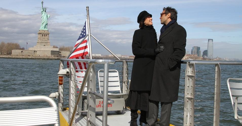 """Os atores Lilia Cabral e Domingos Montagner gravam cenas de """"Divã"""" em Nova York. Na história, eles interpretam os amantes Carlos e Mercedes (março/2011)"""
