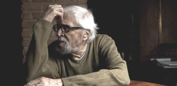 Após dois meses de internação, Sérgio Britto, de 88 anos, tem alta da UTI - Rafael Andrade/Folhapress