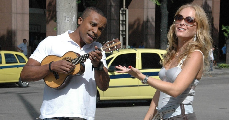 Angélica entrevista o cantor Alexandre Pires no