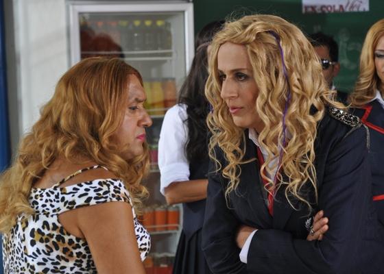 """Tiririca e Tom Cavalcante no quadro """"Revoltados"""", do """"Show do Tom"""" (18/4/2011)"""