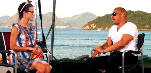 A repórter Teena entrevista o ator Vin Diesel, no Rio de Janeiro, no lançamento de Velozes e Furiosos 5 (2011)