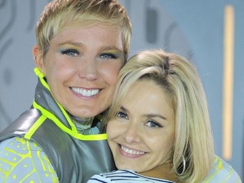 Xuxa e Bianca Rinaldi posam para campanha que ajuda crianças portadoras de mucopolissacaridose (15/4/2011)