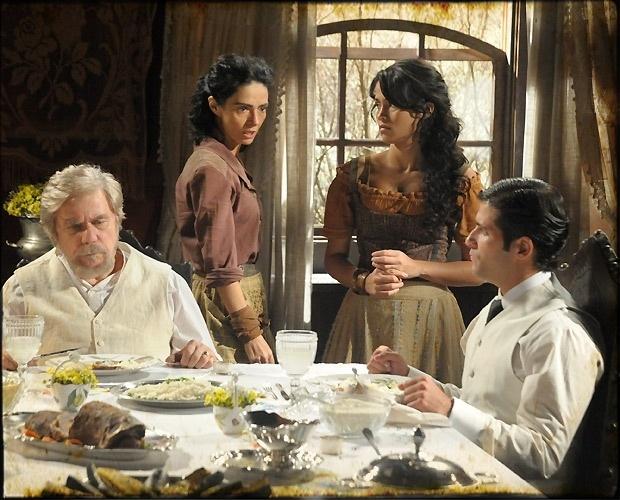 """Da esquerda para a direita: Reginaldo Faria, Cláudia Ohana, Nanda Costa e Bruno Gagliasso em cena de """"Cordel Encantado"""" que vai ao ar neste sábado (30/4/2011)"""