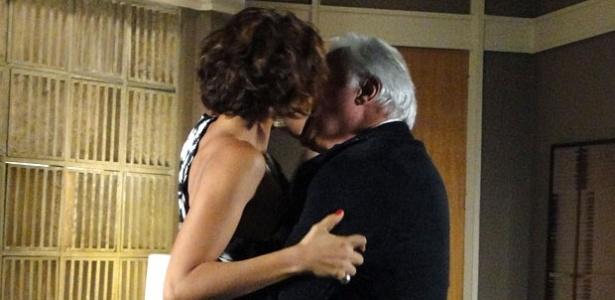 Camila Pitanga e Antônio Fagundes em cena de