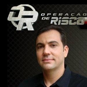 """Alexandre Zakir, apresentador do reality policial """"Operação de Risco"""", da RedeTV!"""