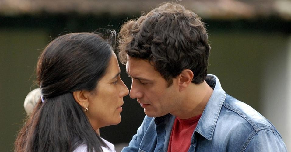 Glória Pires e Gabriel Braga Nunes em cena de