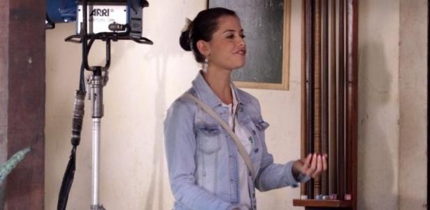 Alinne Moraes grava cena de