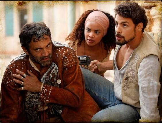 """Da esquerda para a direita, Domingos Montagner, Lucy Ramos e Cauã Reymond em cena de """"Cordel Encantado"""" (13/7/2011)"""