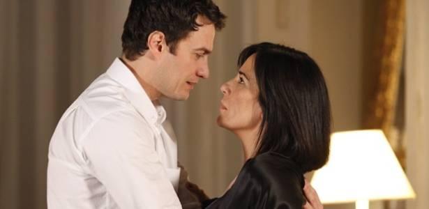 """Cena de Léo (Gabriel Braga Nunes) e Norma (Glória Pires), em """"Insensato Coração"""" - Divulgação/TV Globo"""