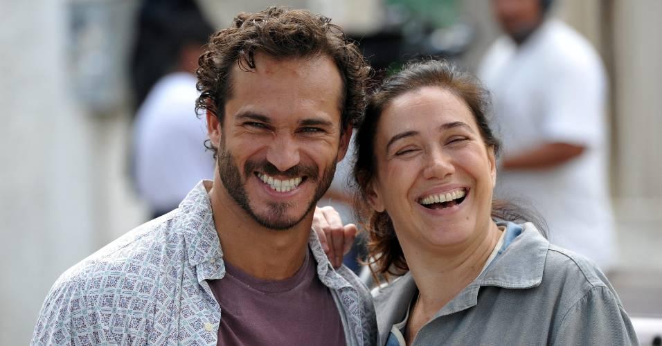 Os atores Paulo Rocha e Lília Cabral do elenco da novela