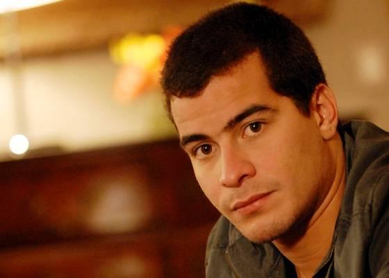 Thiago Martins como o personagem Vinícius de Insensato Coração