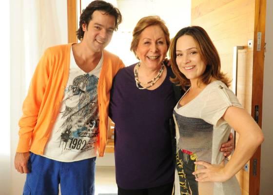 Da esquerda para direita, Bruno Mazzeo, Aracy Balabanian e Gabriela Duarte durante gravação do quadro É Pai, É Pedra do Fantástico (14/8/2011)
