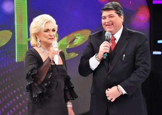 """Hebe Camargo entrevista José Luiz Datena no quadro """"Roda de Mulheres"""", em seu programa na RedeTV! (16/8/11)"""