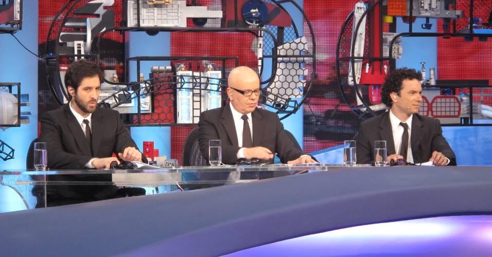 Rafinha Bastos, Marcelo Tas e Marco Luque na bancada do