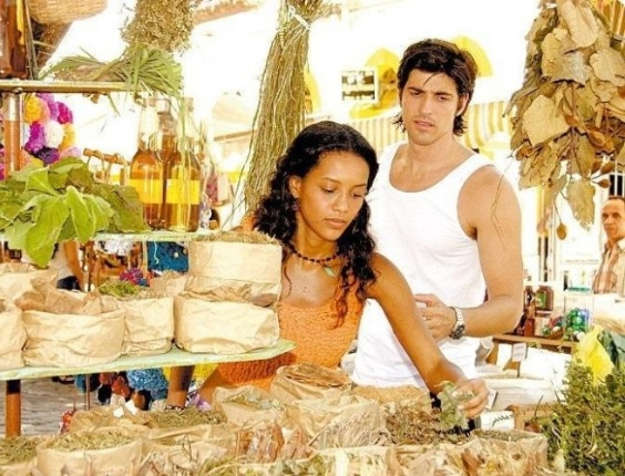 Taís Araújo e Reynaldo Gianecchini em cena de