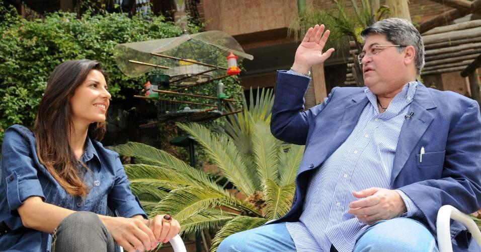 José Luiz Datena fala com Carla Fiorito para o programa