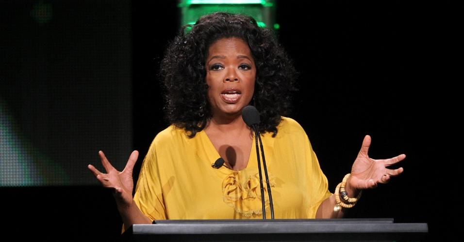 Oprah Winfrey fala durante divulgação do