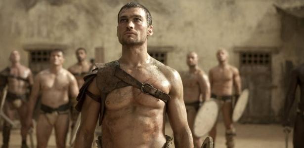 """O ator Andy Whitfield, em cena de """"Spartacus"""""""