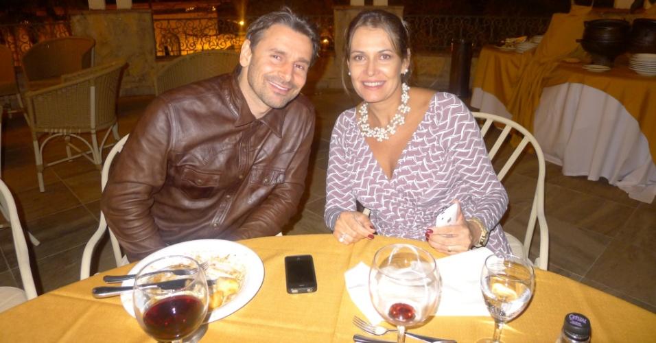 Os atores Murilo Rosa e Patrícia Naves nos bastidores das gravações do filme