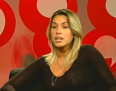 Dani Bolina participa do Bate-Papo UOL (15/9/2011)
