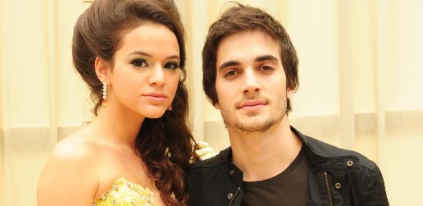 """Bruna Marquezine e Fiuk são, respectivamente, Belezinha e Agenor, em """"Aquele Beijo"""""""