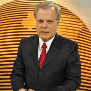 """Chico Pinheiroa, apresentador do """"Bom Dia Brasil"""" (set/2011)"""