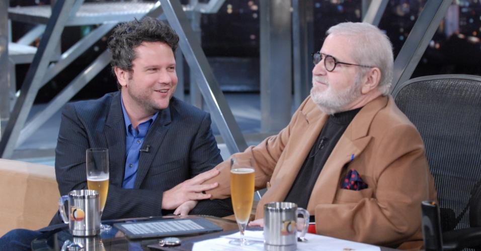 Selton Melo e Jô Soares tomam cerveja durante entrevista que vai ao ar nesta terça-feira (18/10/11)