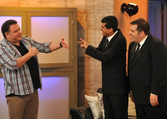Da esquerda para a direita, Léo Jaime, Marcius Melhem e Leandro Hassum em cena de Os Caras de Pau (23/10/2011)