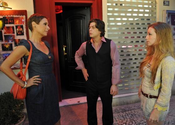 """Da esquerda para a direita, Andréa Beltrão, Fábio Assunção e Malu Rodrigues em cena de """"Tapas e Beijos"""" (25/10/2011)"""