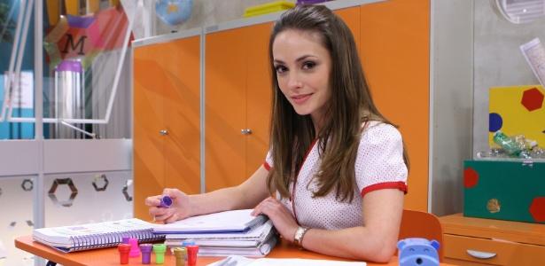 """Rosanne Mulholland em seu primeiro momento como professora Helena de """"Carrossel"""" (27/10/2011)"""
