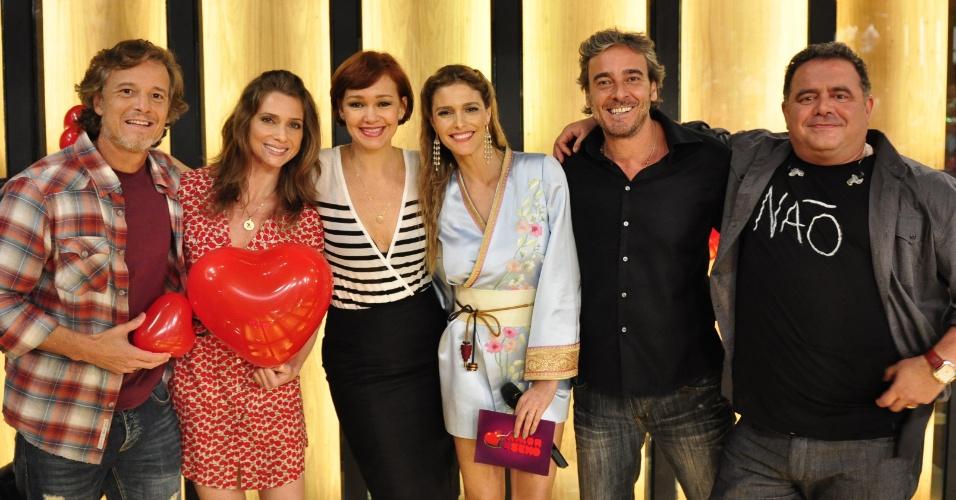Da esquerda para a direita, Marcello Novaes, Letícia Spiller, Júlia Lemmertz, Fernanda Lima, Alexandre Borges e Léo Jaime durante gravação do