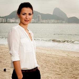 """A atriz portuguesa Joana Santos, que fará o mesmo papel de Sônia Braga no remake da novela """"Dancin Days"""""""