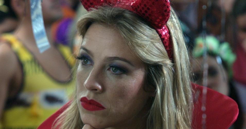 Luana Piovani durante episódio da série