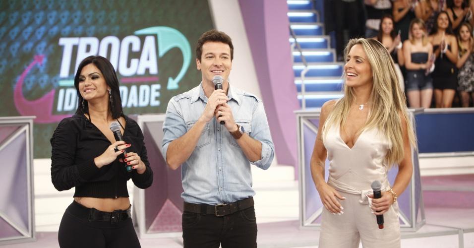 Kelly Key, Rodrigo Faro e Joana Machado durante gravação do programa