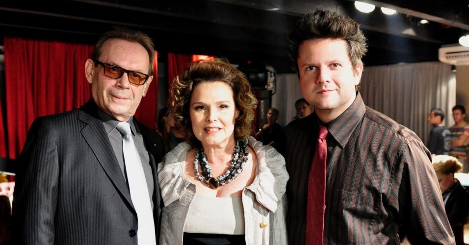 Da esquerda para a direita, José Wilker, Louise Cardoso e Selton Mello em cena de