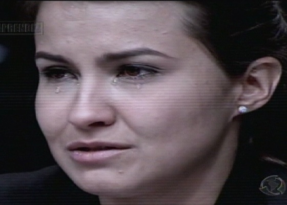 Bianca chora após ser demitida de O Aprendiz 8 (25/11/11)