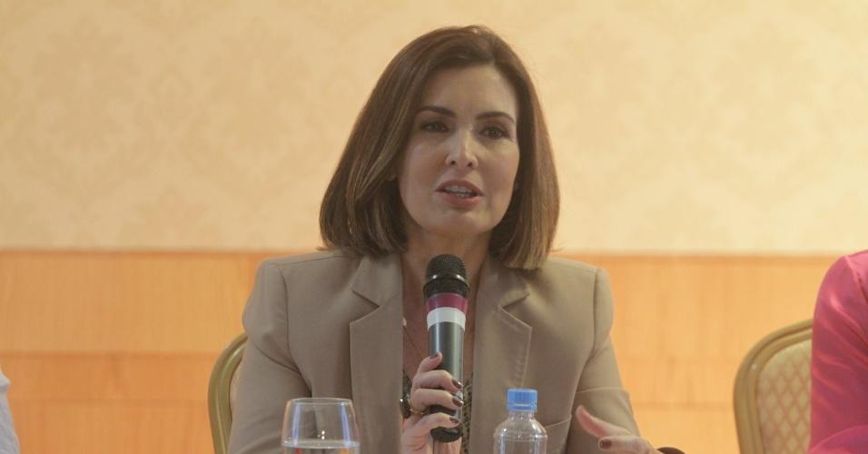A apresentadora Fátima Bernardes anuncia sua saída do