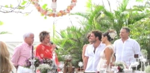 Ana Maria Braga mostra fotos do casamento do filho no
