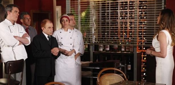 Tereza Cristina deixa Renê pobre e se oferece para pagar pensão para ele em Fina Estampa (12/12/11)
