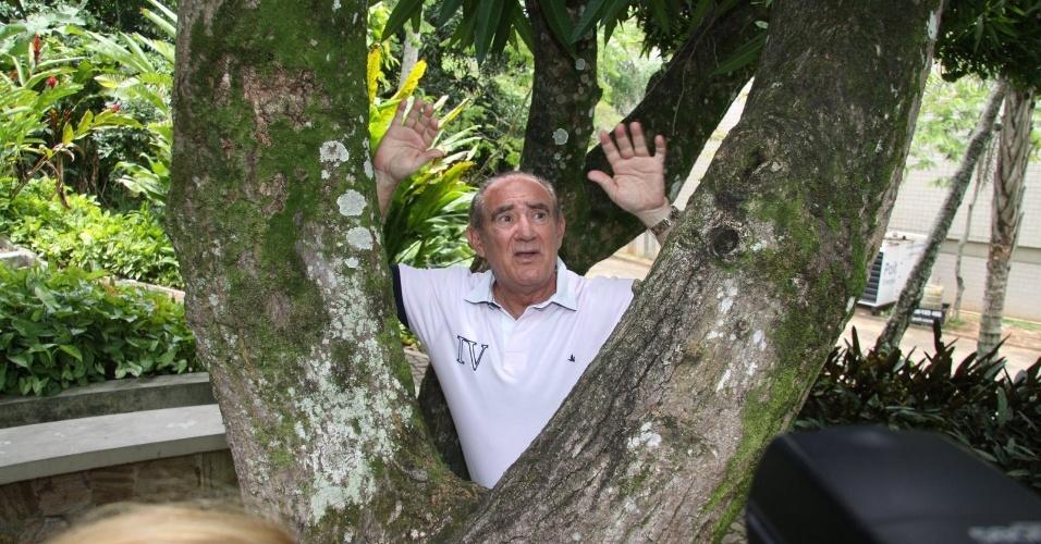 Renato Aragão posa para foto na coletiva de lançamento de