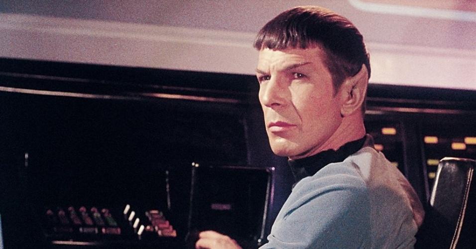 "Comandante Spock (Leonard Nimoy) em cena de ""Stark Trek"""
