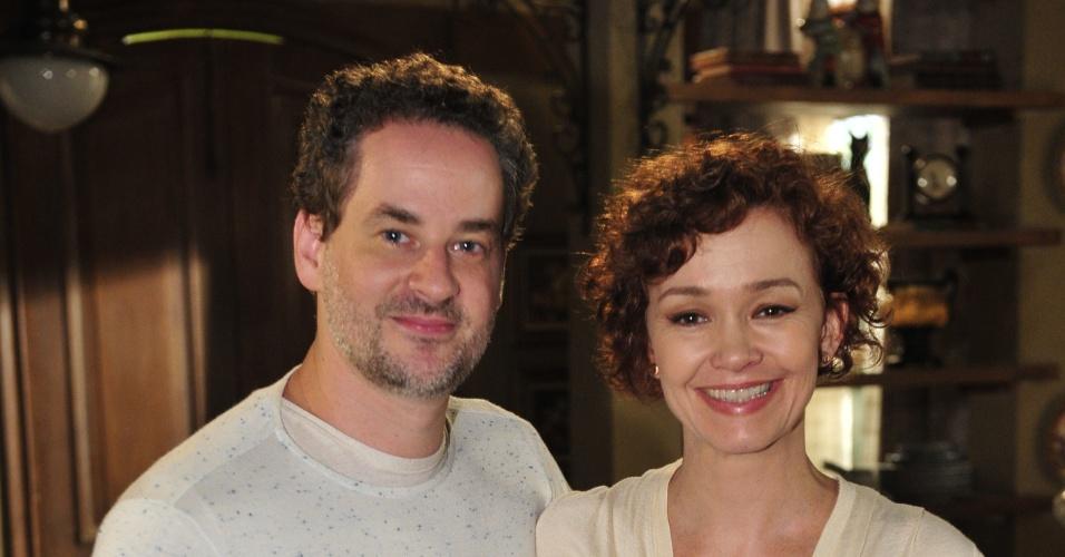 Dan Stulbach e Júlia Lemmertz no intervalo das gravações de