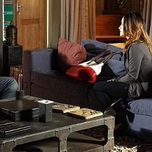 Ana termina o noivado com Lúcio depois de discutir com Manu